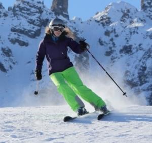 Andrea skiing